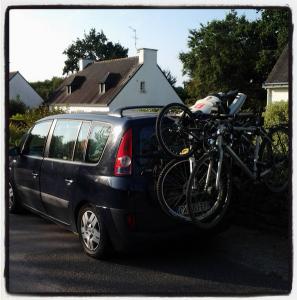 Espace chargé vélos