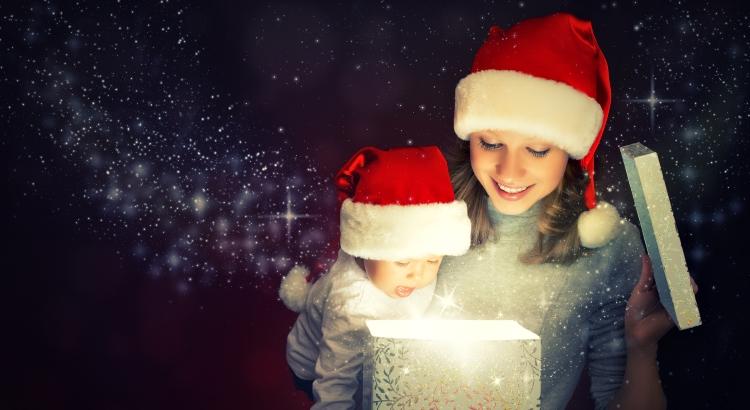 Idee-cadeau-box-premier-noel-avec-bebe