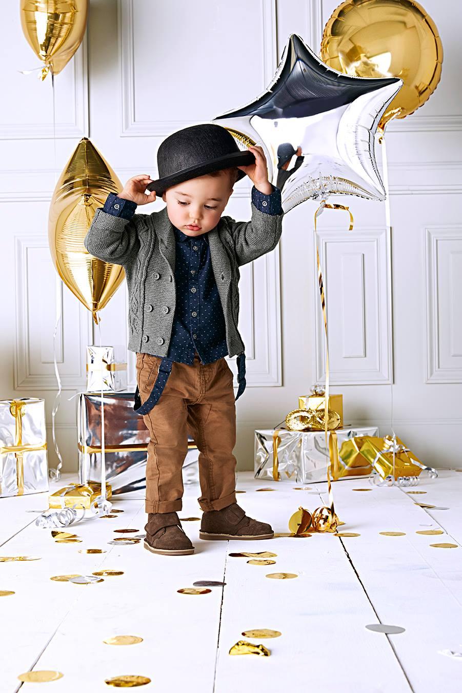 99bf38912c813 Les looks Bébé donneraient (presque) envie d en avoir un petit dernier 😉.  Tenue Noël Fille Magic Night Tape à l Oeil