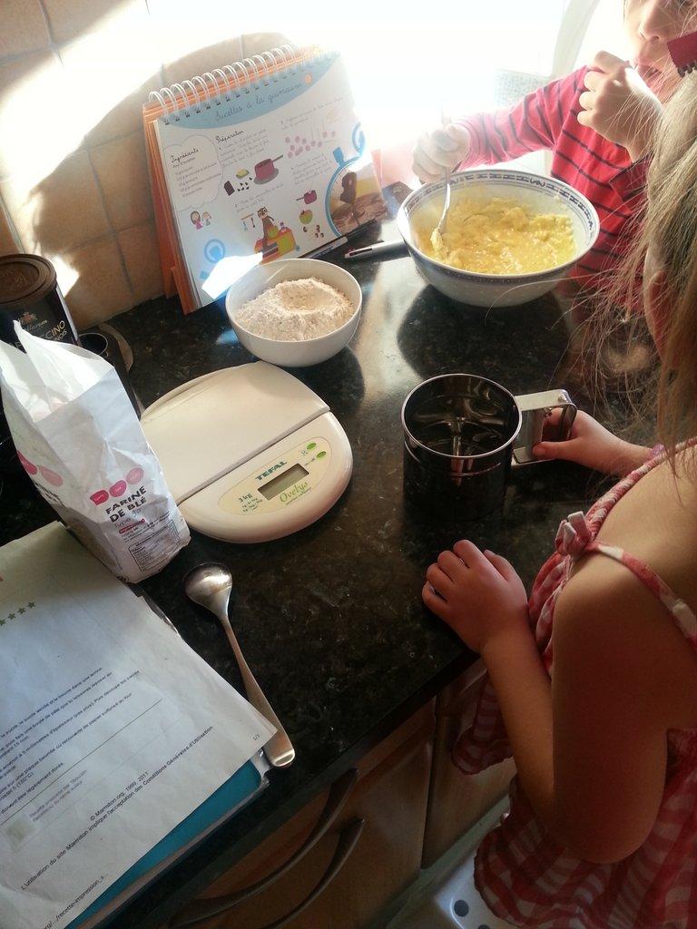 cuisiner avec les enfants le journal d 39 une mam 39 an forme. Black Bedroom Furniture Sets. Home Design Ideas