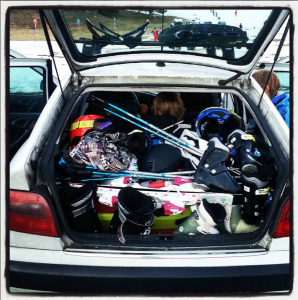 Ski avec enfants chargement voiture