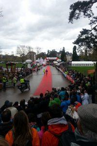 Arrivée première femme marathon d'Annecy