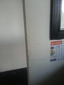 Murs blancs sales -peinture non lessivable 1