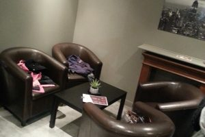 peaberry_and_co_cafe_kidfriendly_annecy_coin_parents-min