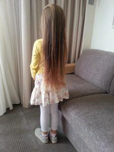 solution_naturelle_poux_cheveux_longs_fille