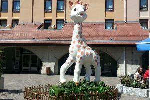 Sophie_la_Girafe_anniversaire_55_ans_annecy