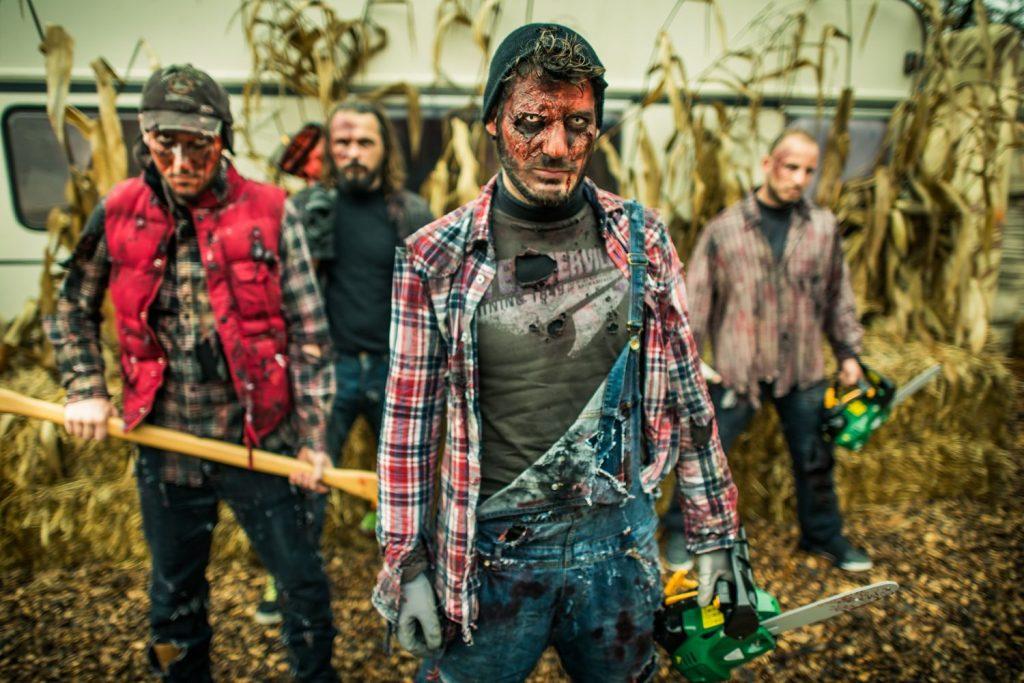 Halloween_2017_walibi_zombis_tronconneuse