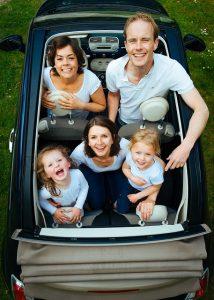 famille-nombreuse-voyage-transport-pas-cher