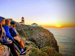 blog-maman-forme-instruction-en-famille-coucher-de-soleil-bout-du-monde-portugal